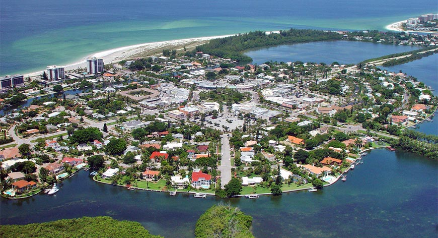 St. Armands Circle in St. Armands Key from aerial view